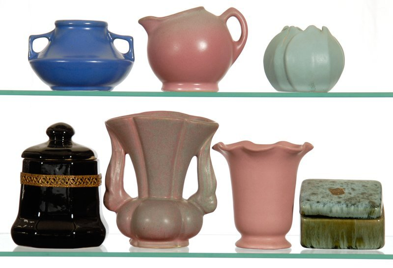 BOXED LOT - (7) POTTERY ITEMS