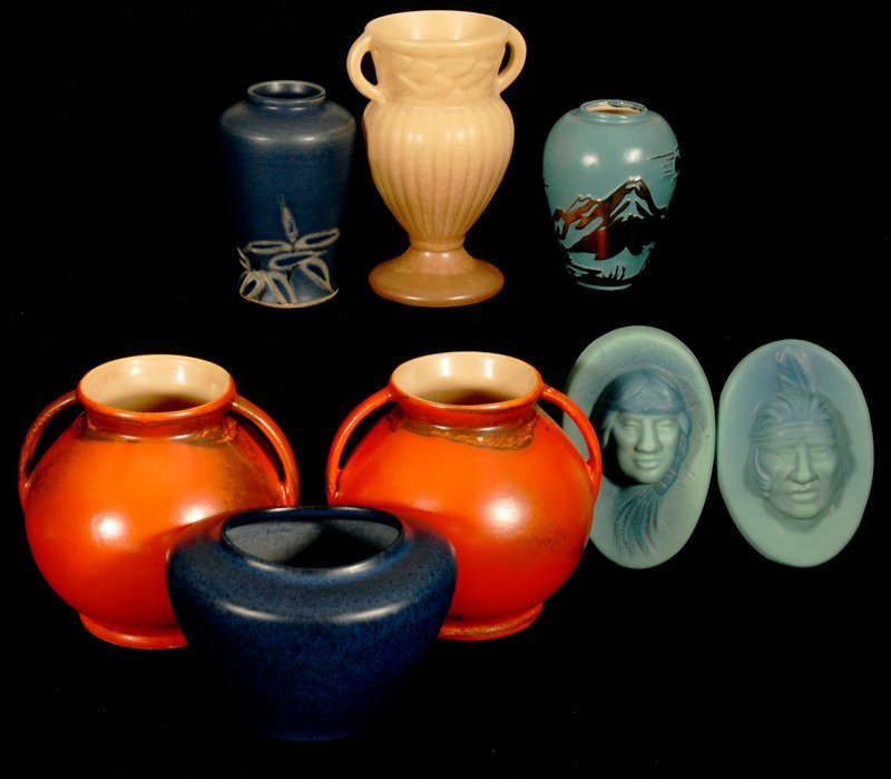 BOXED LOT - (9) POTTERY ITEMS