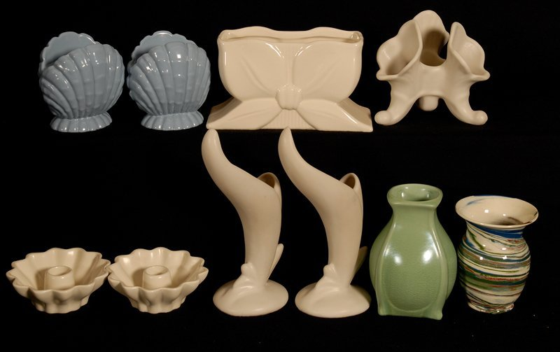 BOXED LOT - (10) POTTERY ITEMS