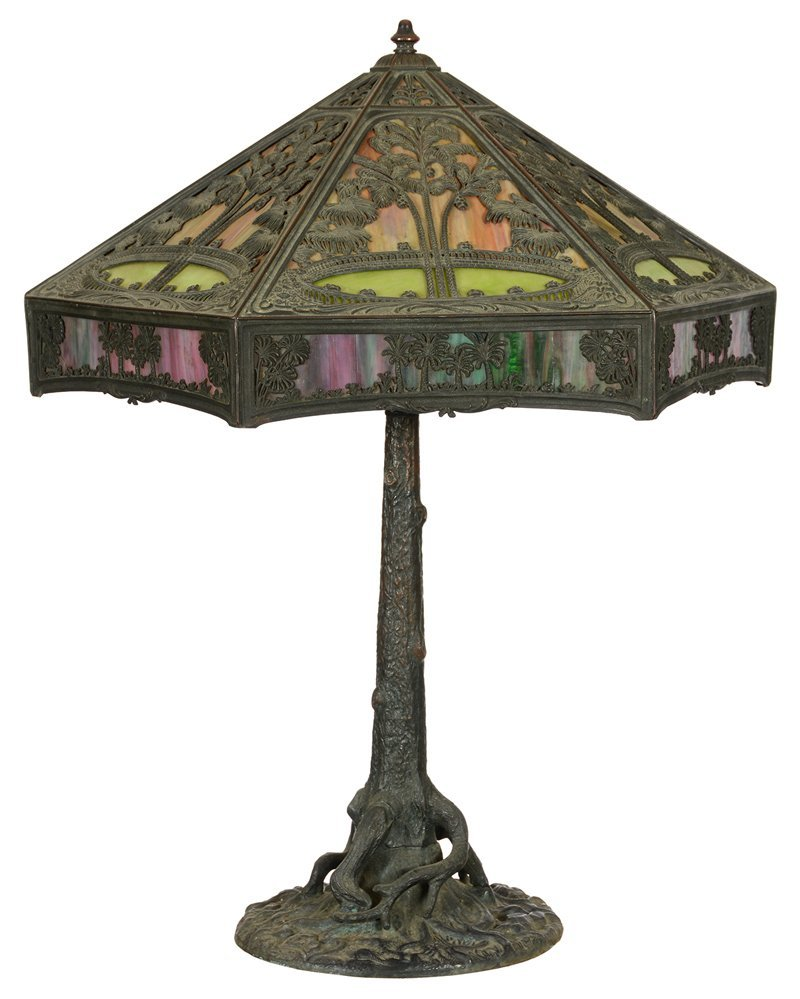 "OUTSTANDING 31"" X 25"" SLAG GLASS TABLE LAMP"