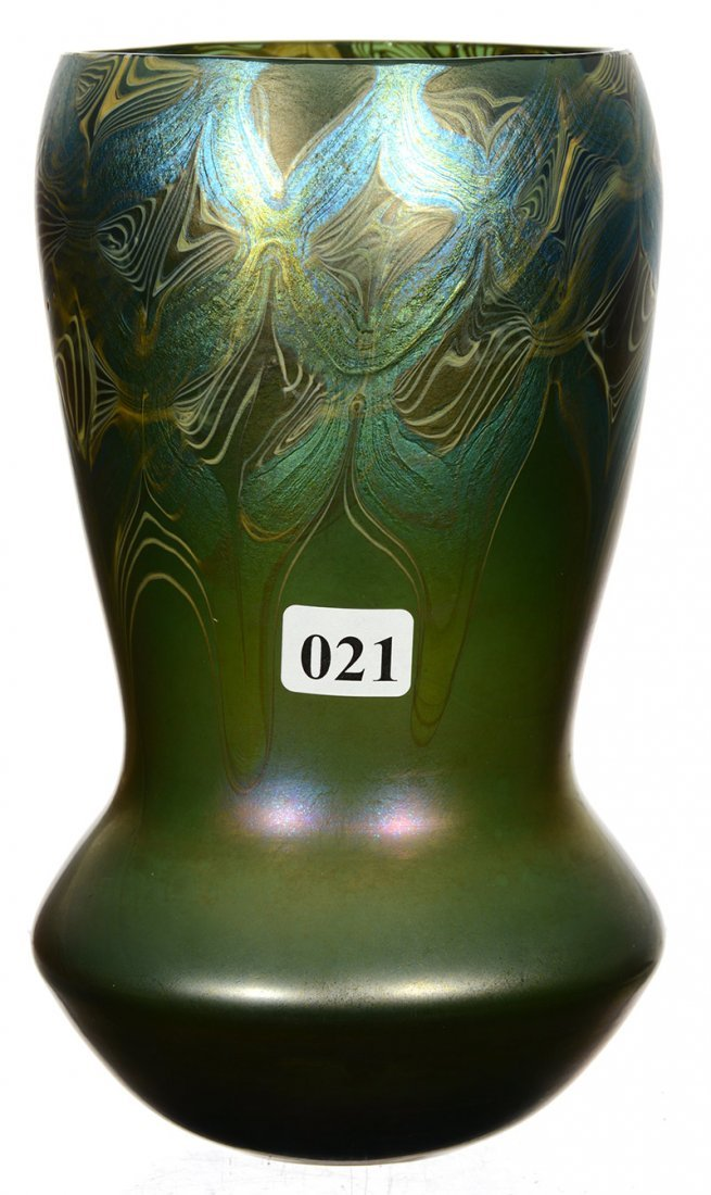"7 3/4"" SIGNED ""LCT D737"" DECORATED ART GLASS VASE"