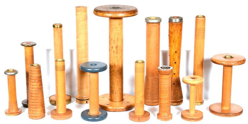 (14) VINTAGE WOODEN SPOOLS - ASSORTED SIZES