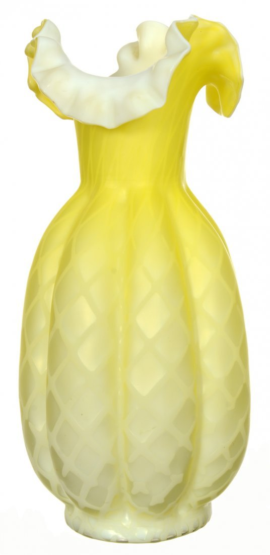 "10 1/2"" YELLOW SATIN DIAMOND QUILTED MOTHER OF PEARL"