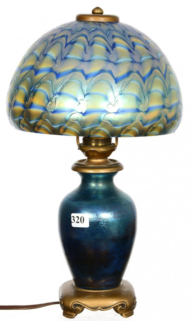 "14"" X 7 3/4"" SIGNED STEUBEN ART GLASS DESK/BOUDOIR LAMP"