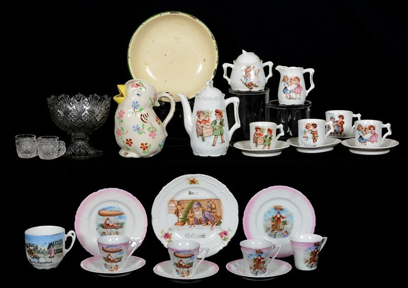 ASSORTED CHILDREN'S CHINA AND GLASS ITEMS INCLUDING