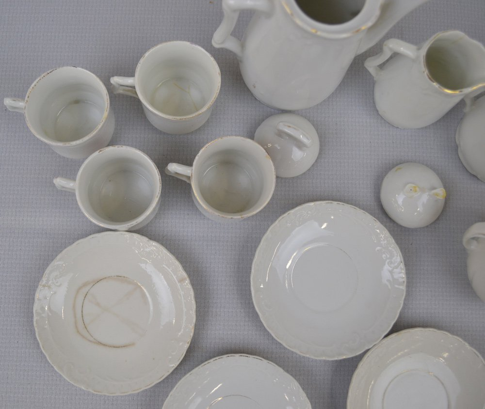 ASSORTED CHILDREN'S CHINA AND GLASS ITEMS INCLUDING - 7