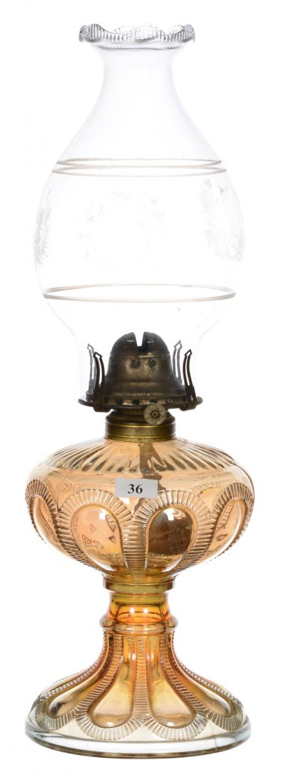 "10"" MARIGOLD CARNIVAL GLASS ZIPPERED LOOP PATTERN LAMP"