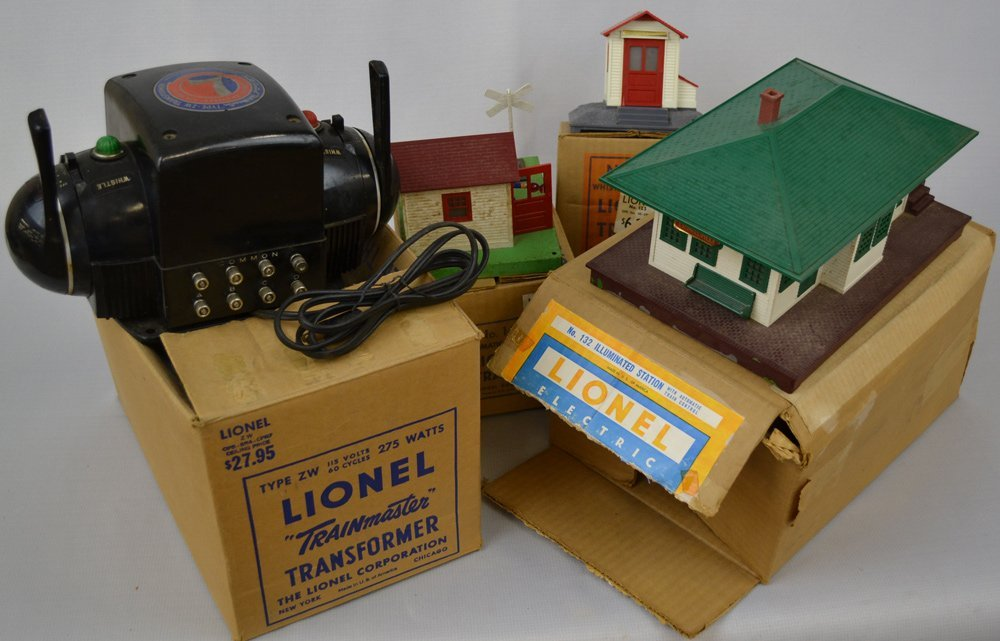 (8) ORIGINAL LIONAL TRAIN PARTS AND ACCESSORIES ON - 3