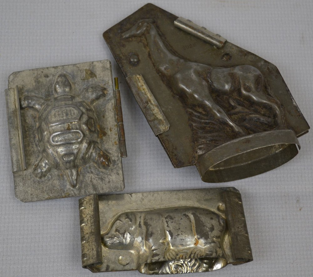 (7) VINTAGE CHOCOLATE MOLDS INCLUDING - 2