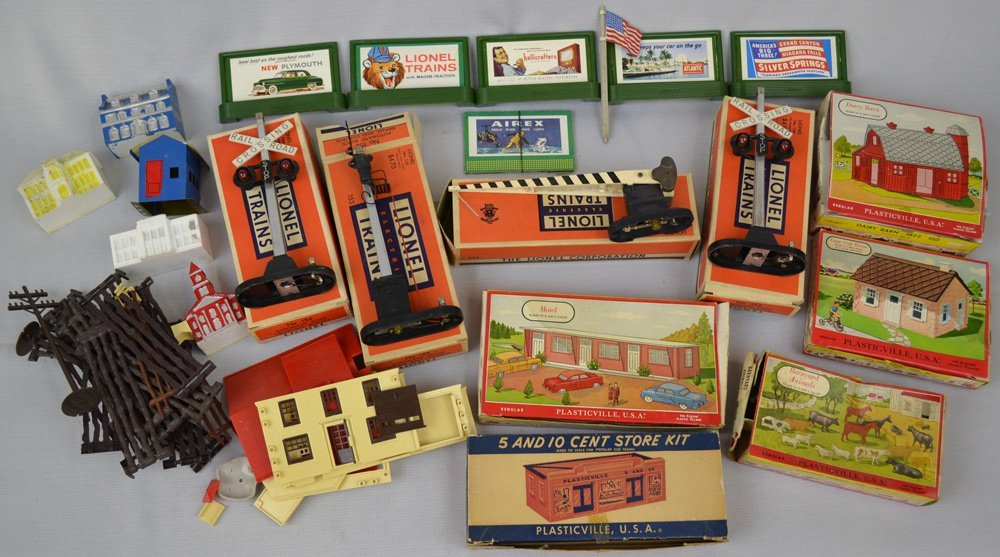VINTAGE LIONAL TRAIN ITEMS AND ACCESSORIES - 4