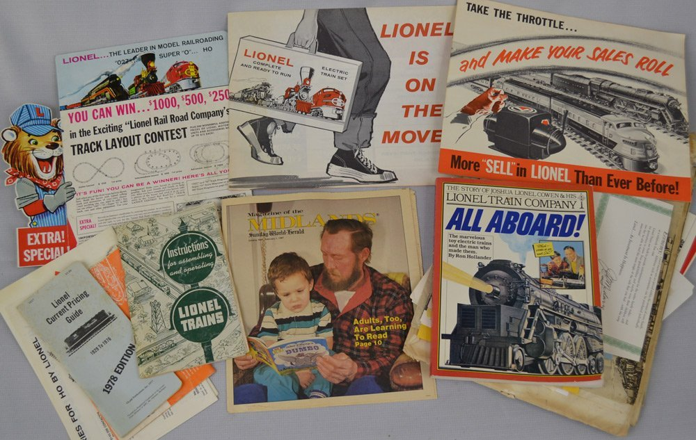 VINTAGE LIONAL TRAIN ITEMS AND ACCESSORIES - 5