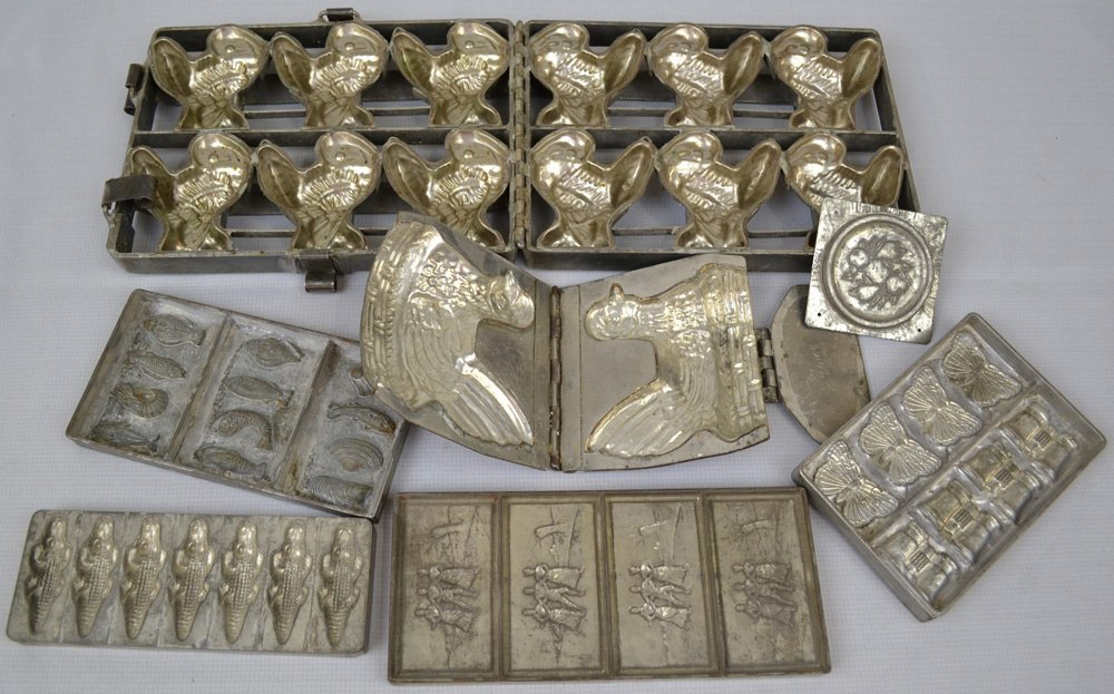 (7) VINTAGE CHOCOLATE/HARD CANDY MOLDS INCLUDING - 2