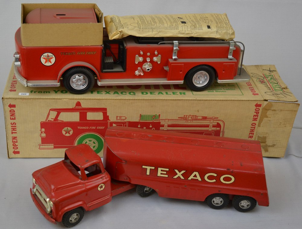 (2) TEXACO PRESSED STEEL OIL TRUCKS - 2