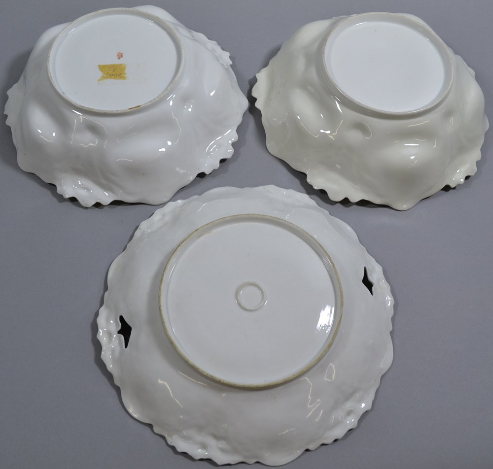 (3) UNMARKED RSP LILY MOLD ITEMS INCLUDING - 3