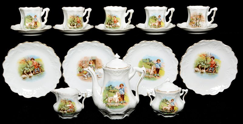 SEVENTEEN PIECE CHILD'S TEA SET