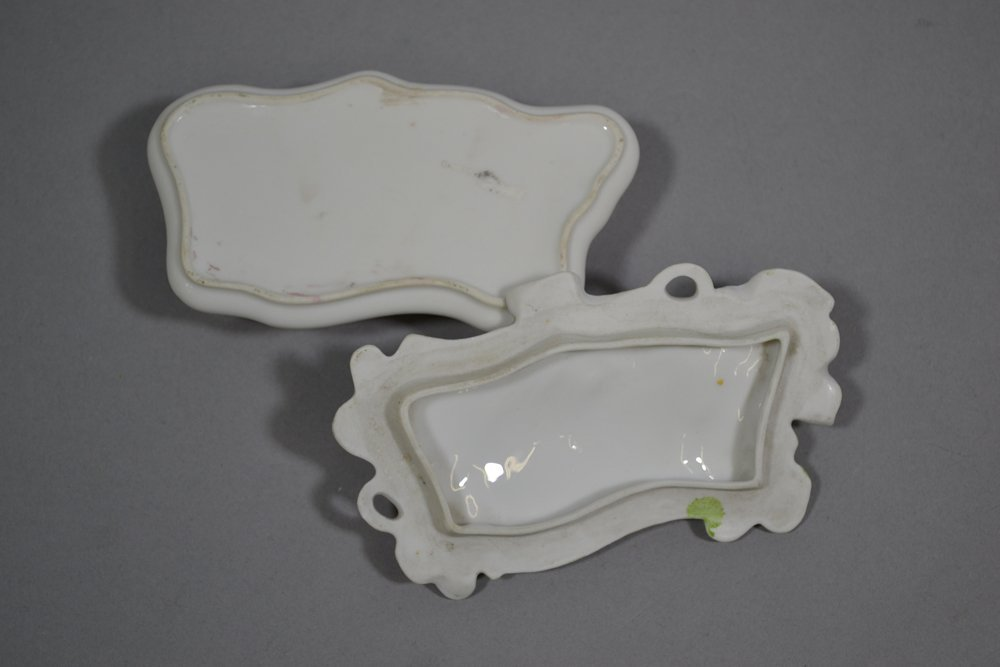 "5"" UNMARKED PRUSSIA HIDDEN IMAGE MOLD COVERED PIN BOX - 2"