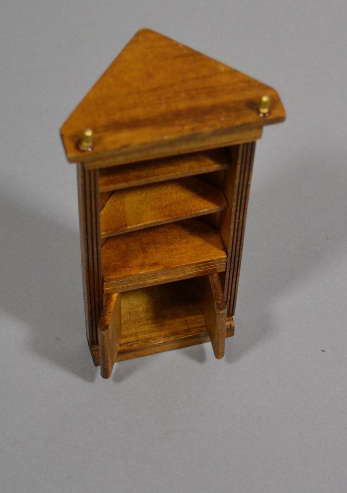 (4) CHILDREN AND DOLL FURNITURE ITEMS INCLUDING - 5