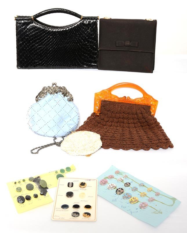 ASSORTED HAND BAGS, PURSES AND BUTTONS INCLUDING