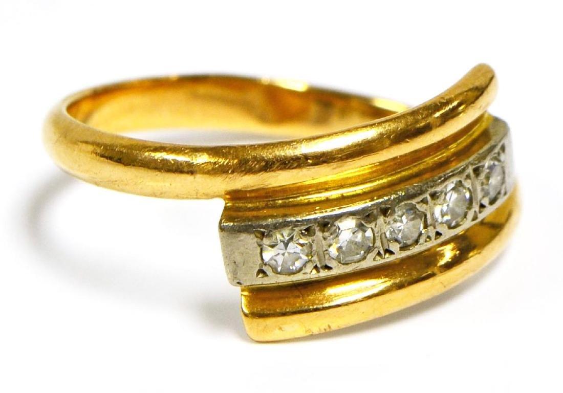 14 kt gold crossover ring