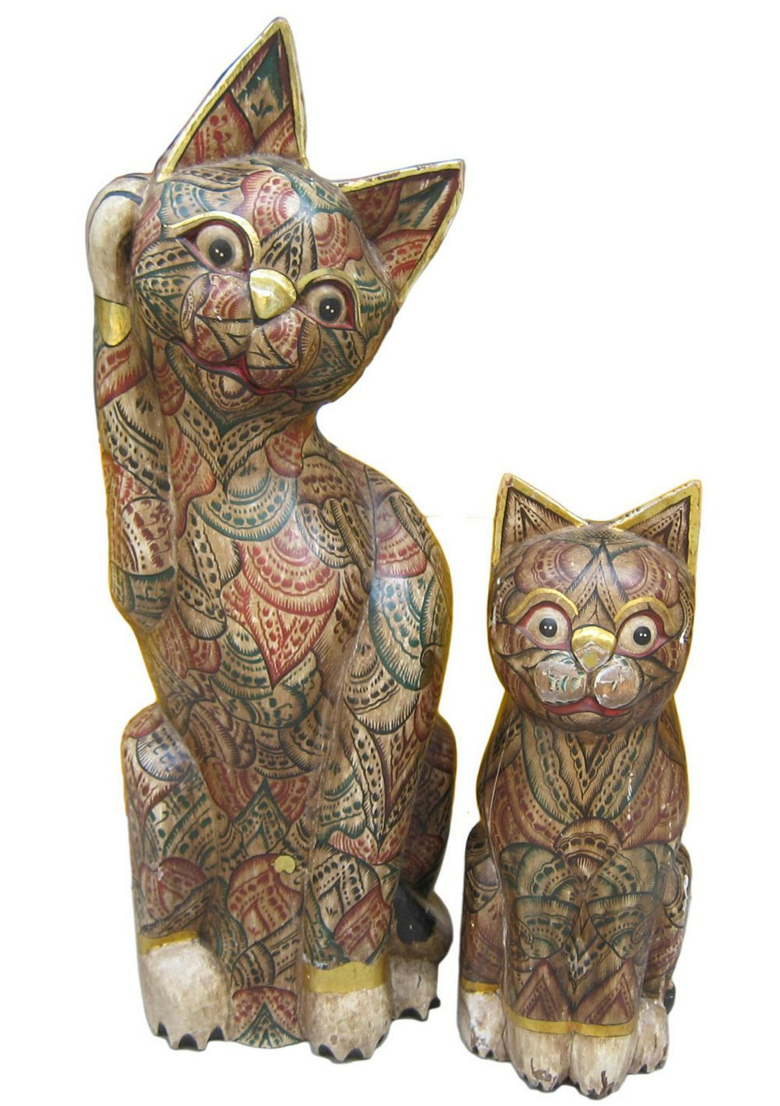 Lot of 2 wooden figures