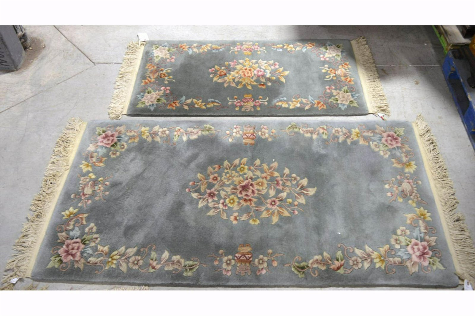 Set of 2 Chinese rugs