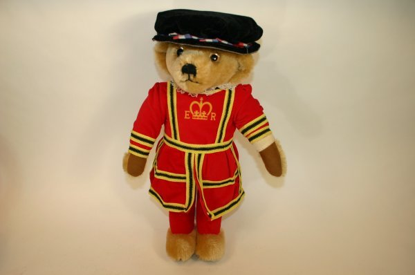 109: Merrythought British Guard Bear