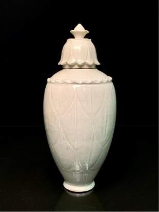 Ding kiln engraved bottle with cap