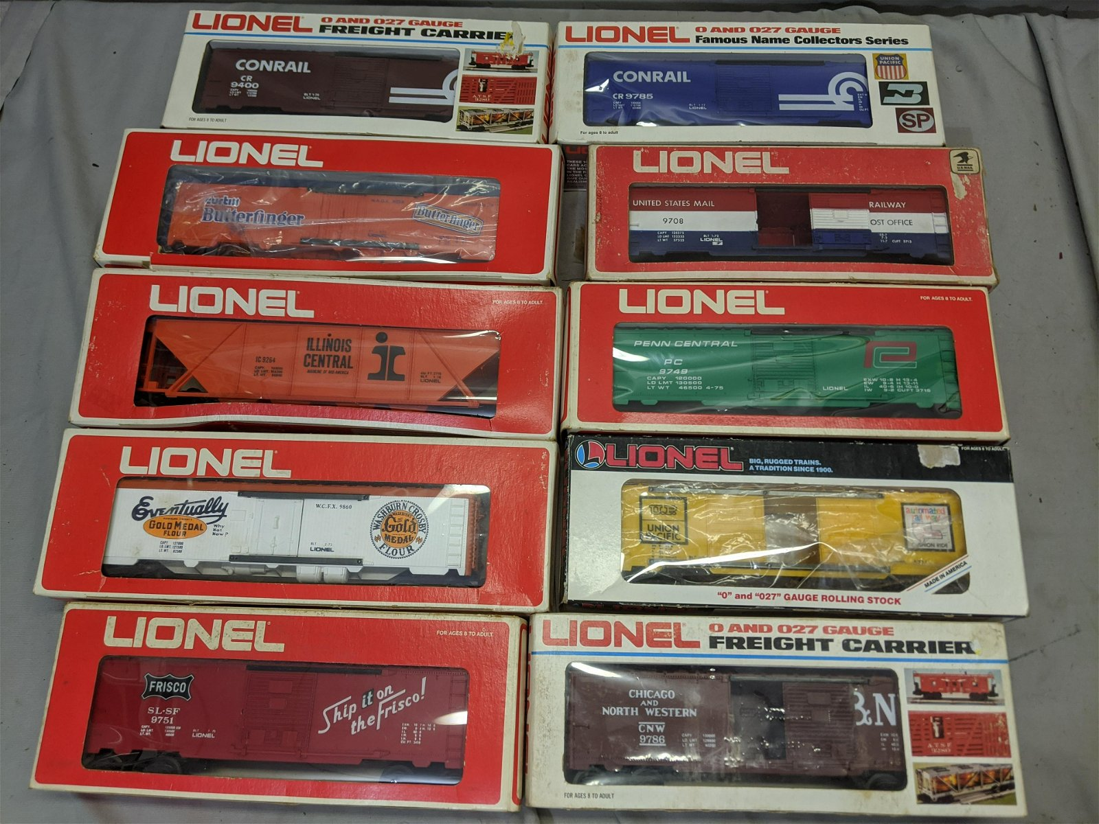 Lot 10 Lionel Freight Cars in Boxes
