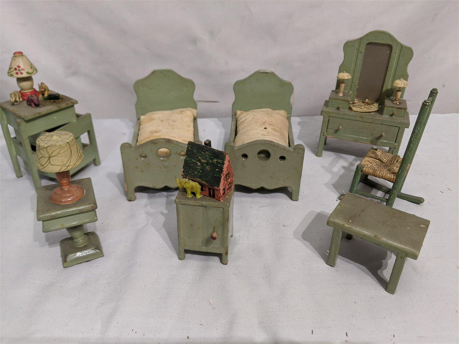 Set 8 Pcs Antique Green Doll House Furniture