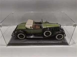 1930 Danbury Mint Cadillac V-16 Roadster 1/12 Model