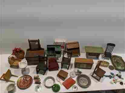 Huge Lot Assorted Miniature Dollhouse Items
