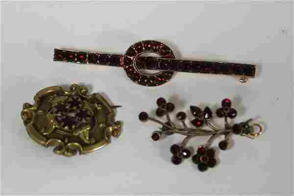 Collection Victorian Garnet Jewelry
