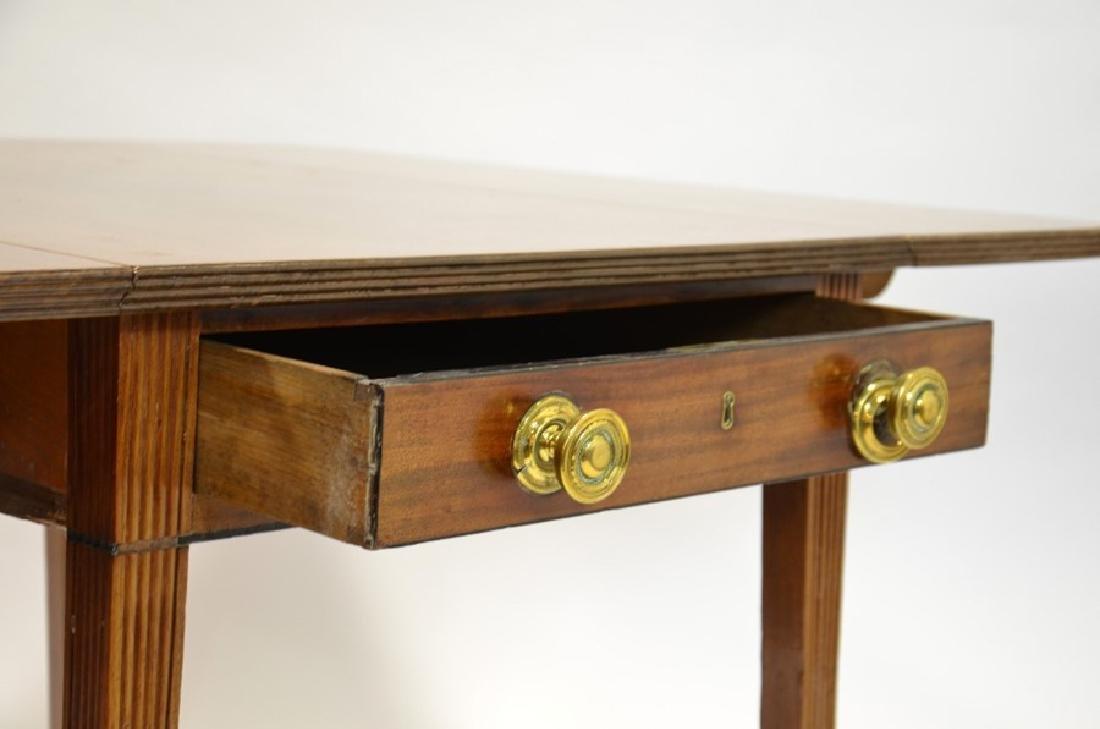 A George III mahogany Pembroke table, circa 1800, - 3