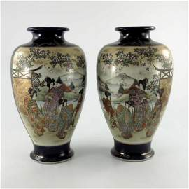 A pair of Japanese Satsuma vases, Meiji, inverse