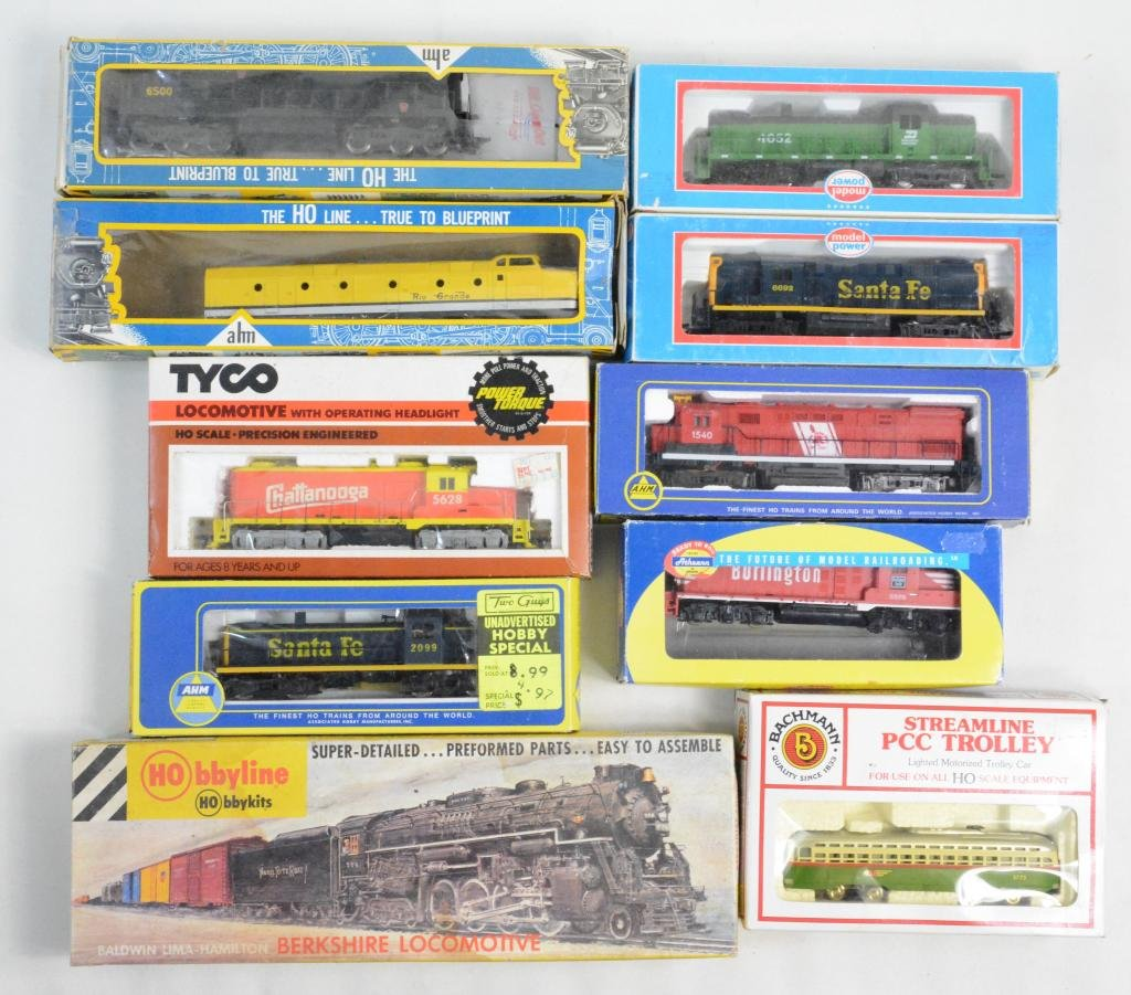 10pc Mixed HO Train Engines & Trolley in Box