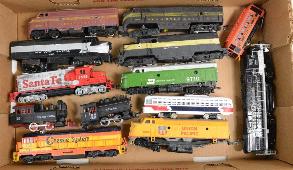 13pc Mixed HO Train Engine & Parts Lot
