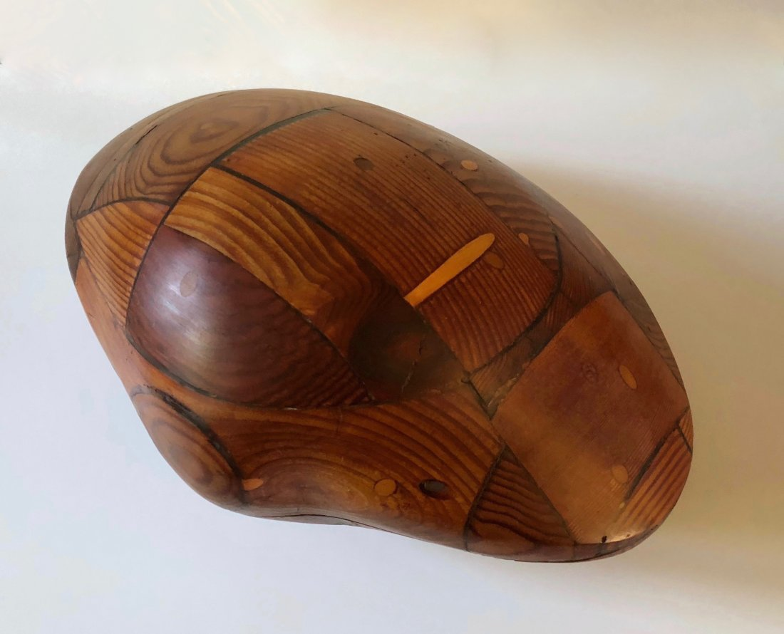 Gwynn Murrill, Early Wood Clam Sculpture