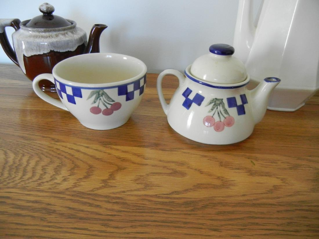 Coffee and Tea pots 4 pieces - 4