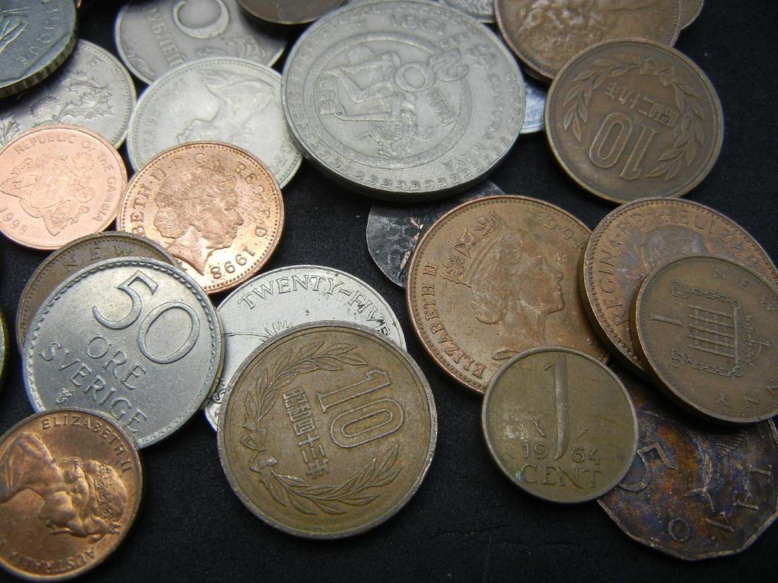 Lot of Foreign Coins. 1.3 Pounds - 3