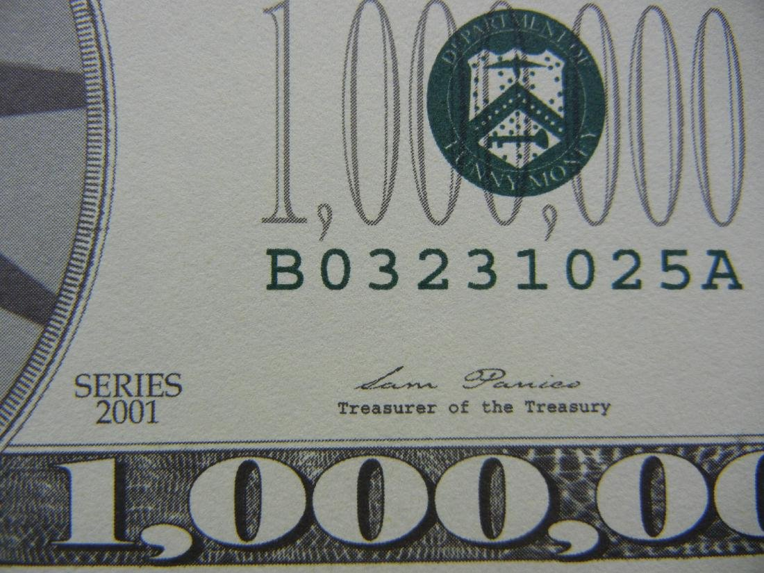 2001 One Million Dollars Patriotic Novelty Note. - 2