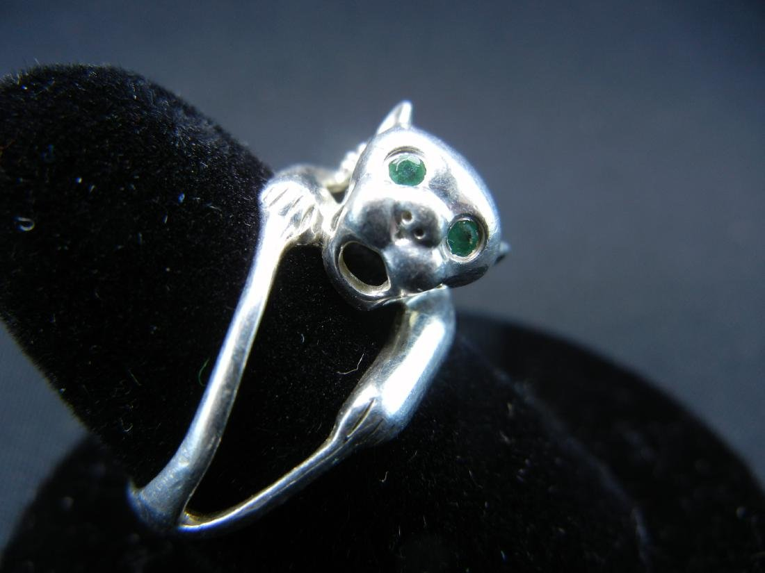 Sterling Silver Green Eyed Wildcat Ring. - 2