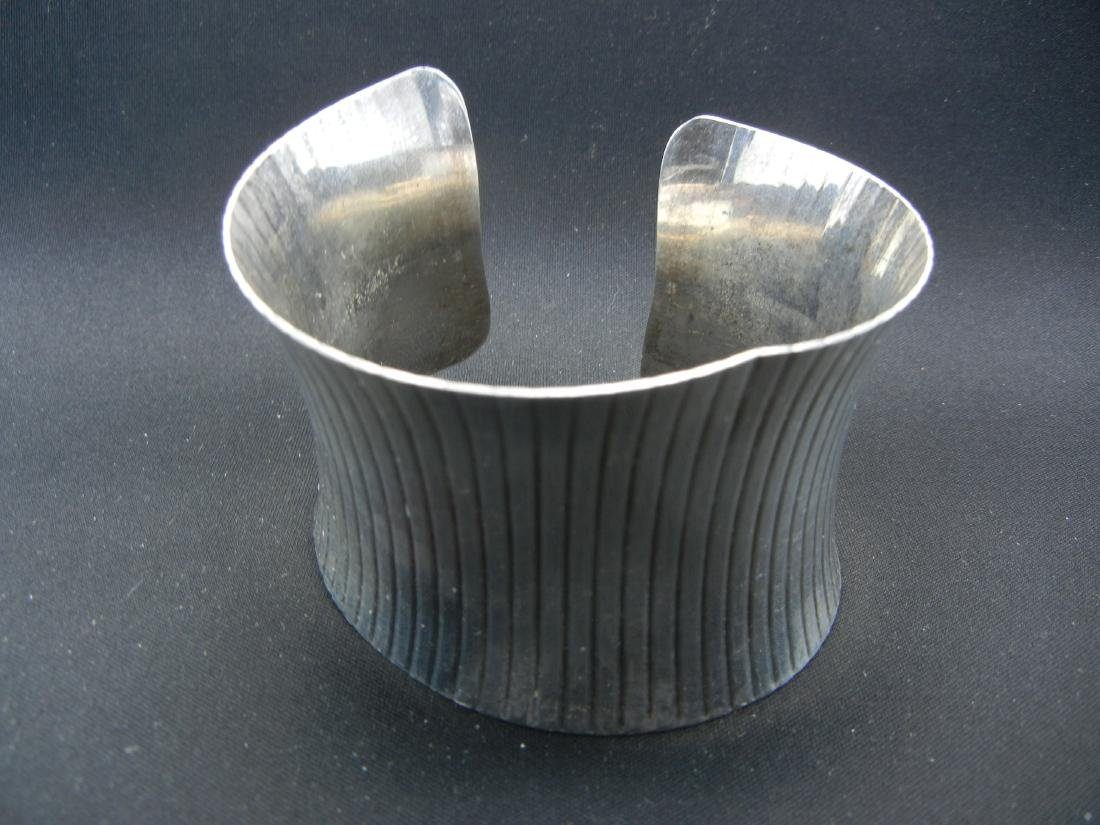 Sterling Silver 925 Cuff bracelet. Weighs 1.65 ounces
