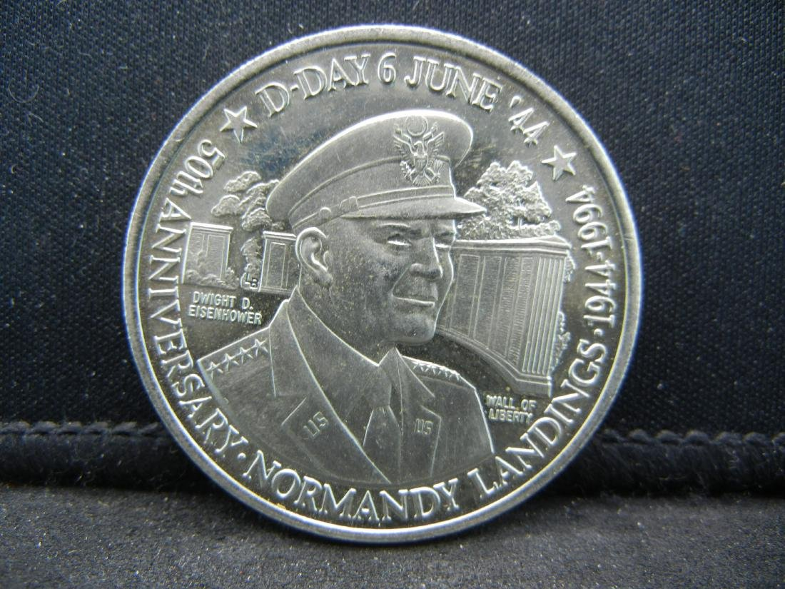 1994 Turks & Caicos Islands 5 Crown Coin.  Obv: Bust of