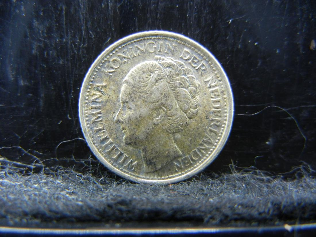 1944-P Netherland 10 Cents Silver Coin.  Coin is 64% - 2