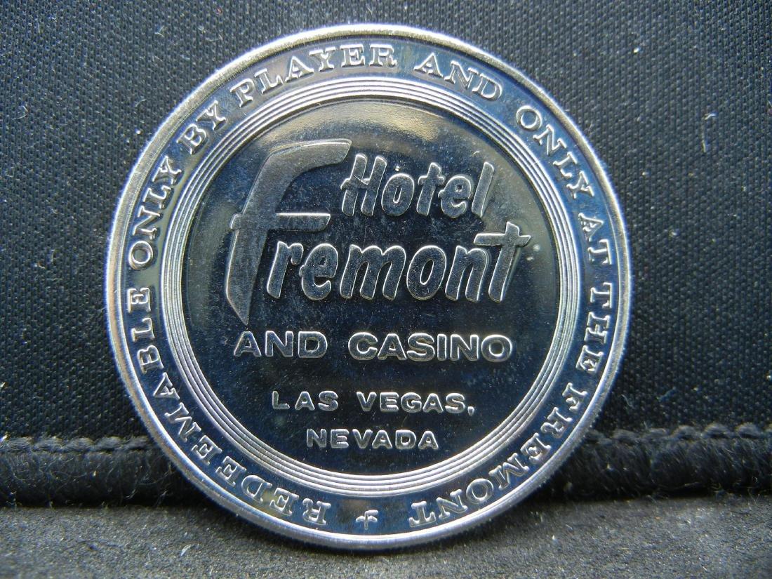 1965 $1 Casino Gaming Token, Fremont Hotel & Casino Las - 2