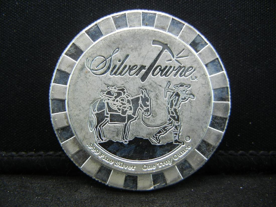 Silvertowne Casino interlocking Chip. 1 ounce 999 - 2