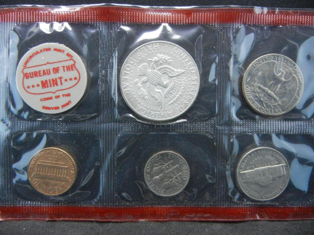 1968 United States Mint Sets With Original Packaging. - 3