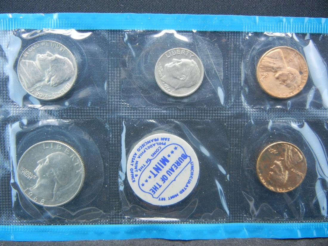 1968 United States Mint Sets With Original Packaging. - 4