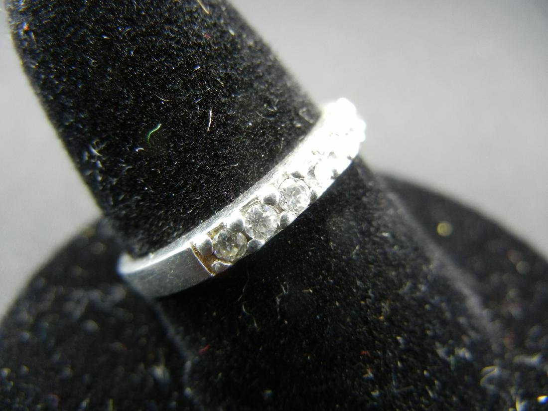 Sterling Silver Ring. Diamond look? - 2