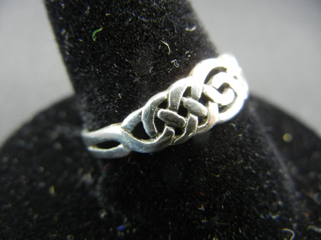 Irish Traditions Sterling Silver 925 Ring. - 2
